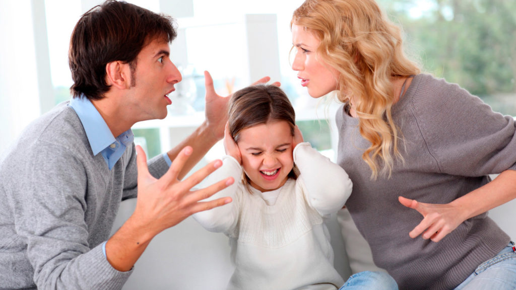 Что делать, если родители ругаются: семейные отношения, реакция ребенка, правила поведения в семье, советы и рекомендации психолога